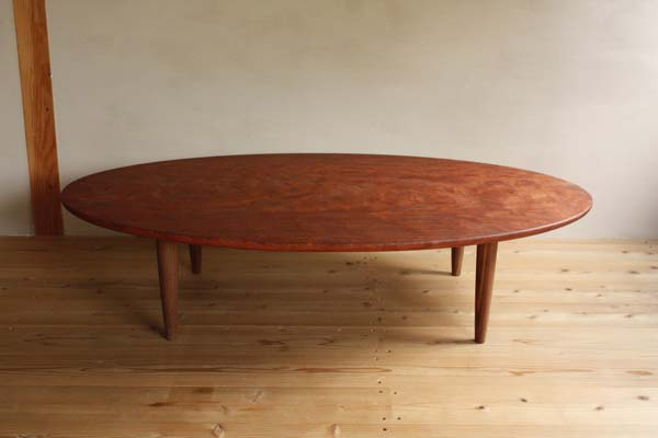 oval-table-1